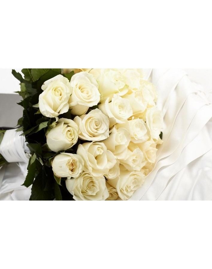Bouquet of 15 white spray roses
